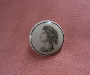 """Liverpool transfer button is 1 1/8"""" in diameter. ©booksandbuttons"""