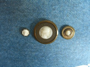 "three ""milk glass"" buttons ©booksandbuttons"
