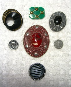 group of seven Ardor of Paris buttons ©booksandbuttons