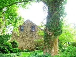 PA stone barn ©booksandbuttons