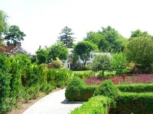 rear of home in view of partere garden ©booksandbuttons