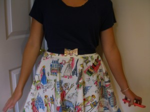 circle skirt with Paris scenes fabric ©booksandbuttons