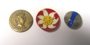 three buttons from Covent Garden Market ©booksandbuttons
