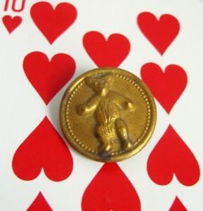 brass teddy bear button ©booksandbuttons