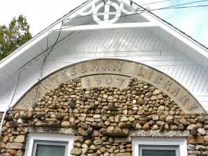 Look at the darling stonework--and the building itself is a beautiful example of masonry . . .