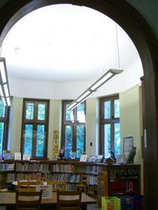 children's semicircle room at Warrensburg NY library