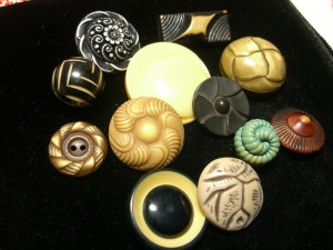 Old celluloid buttons from the 1920s and 1930s ©booksandbuttons