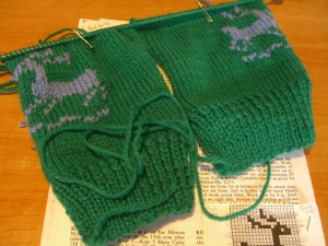 the reindeer mittens©booksandbuttons