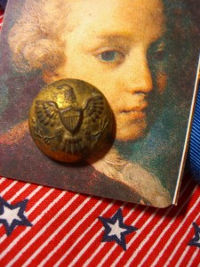 early military button might date from 1870 to 1902 ©booksandbuttons