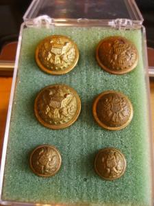 """Six """"Indian Wars"""" buttons ©booksandbuttons"""