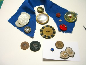 Some buttons from Maine including two Paris backs, two wooden buttons, decorated MOPs, etc ©booksandbuttons